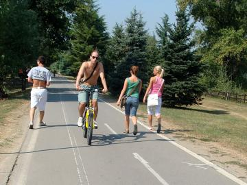 Guaranteed Departure - Belgrade Besides The Rivers On Bicycle