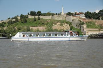 Lunch on the board and cruise on the Danube and Sava rivers - 20 €